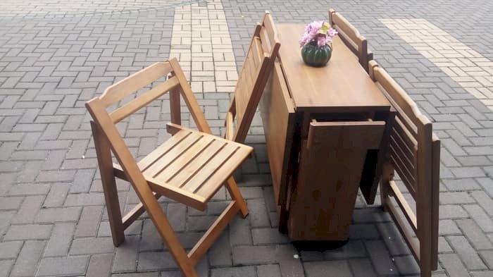 Meja Lipat + 4 Kursi Serbaguna